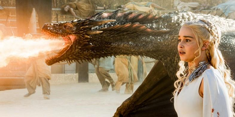 Daenerys e Drogon in Game of Thrones