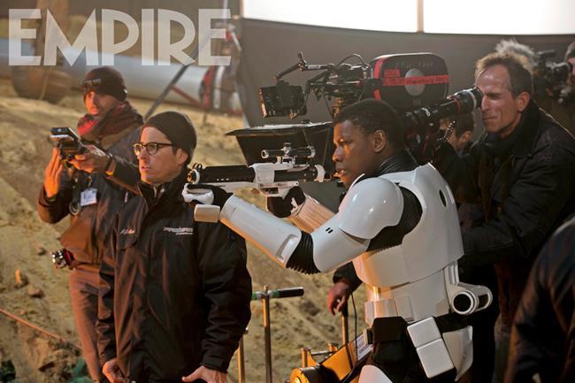 Le riprese continuano sul set di Star Wars 7