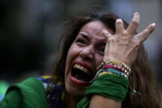 La disperazione dei tifosi brasiliani...