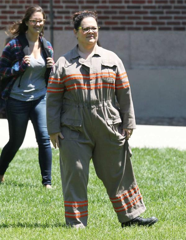 Prima immagine di Melissa McCarthy in costume sul set di Ghostbusters