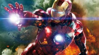Iron Man solca i cieli in un'immagine dal film