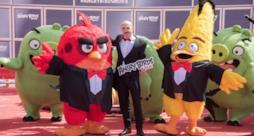 Il cast di Angry Birds con Maccio Capatonda in posa al Festival di Cannes