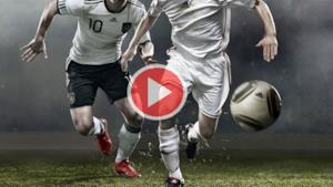 Calcio in streaming - Due calciatori si contendono il pallone