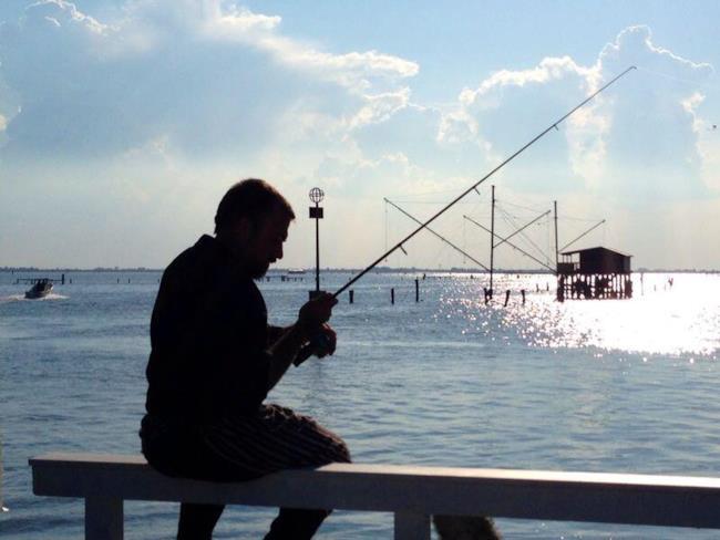 Rubio mentre pesca