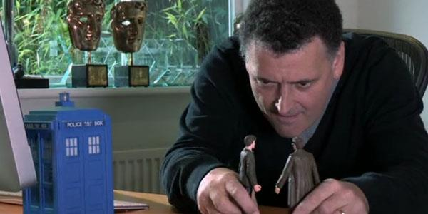Steven Moffat alle prese con le action figure del Dottore