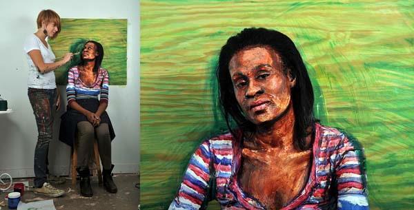 Donna dipinta per sembrare un quadro