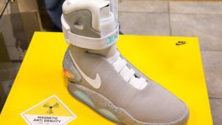 Un prototipo delle Nike Air MAG