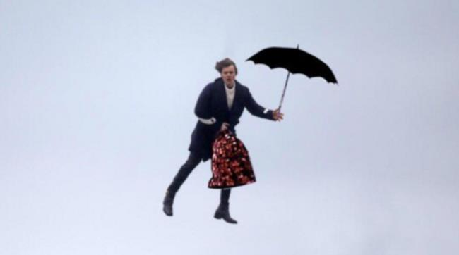 Harry Styles come Harry Poppins