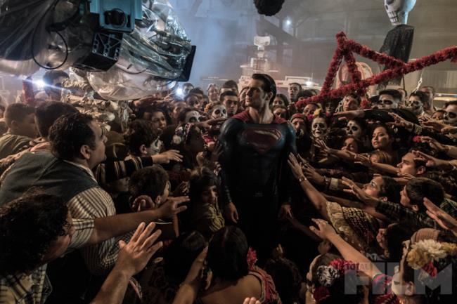 Henry Cavill sul set di Batman v Superman
