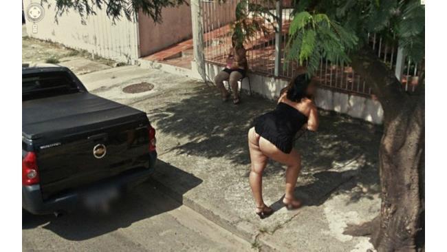 Google Street View, gli scatti segreti - 1