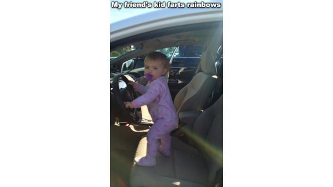 La bambina scureggiarcobaleni