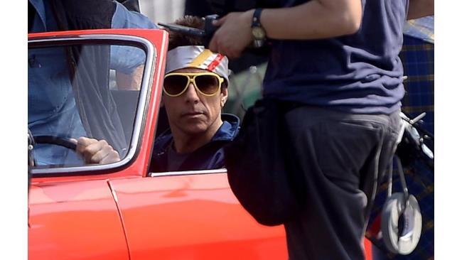 Derek Zollander a bordo della sua auto