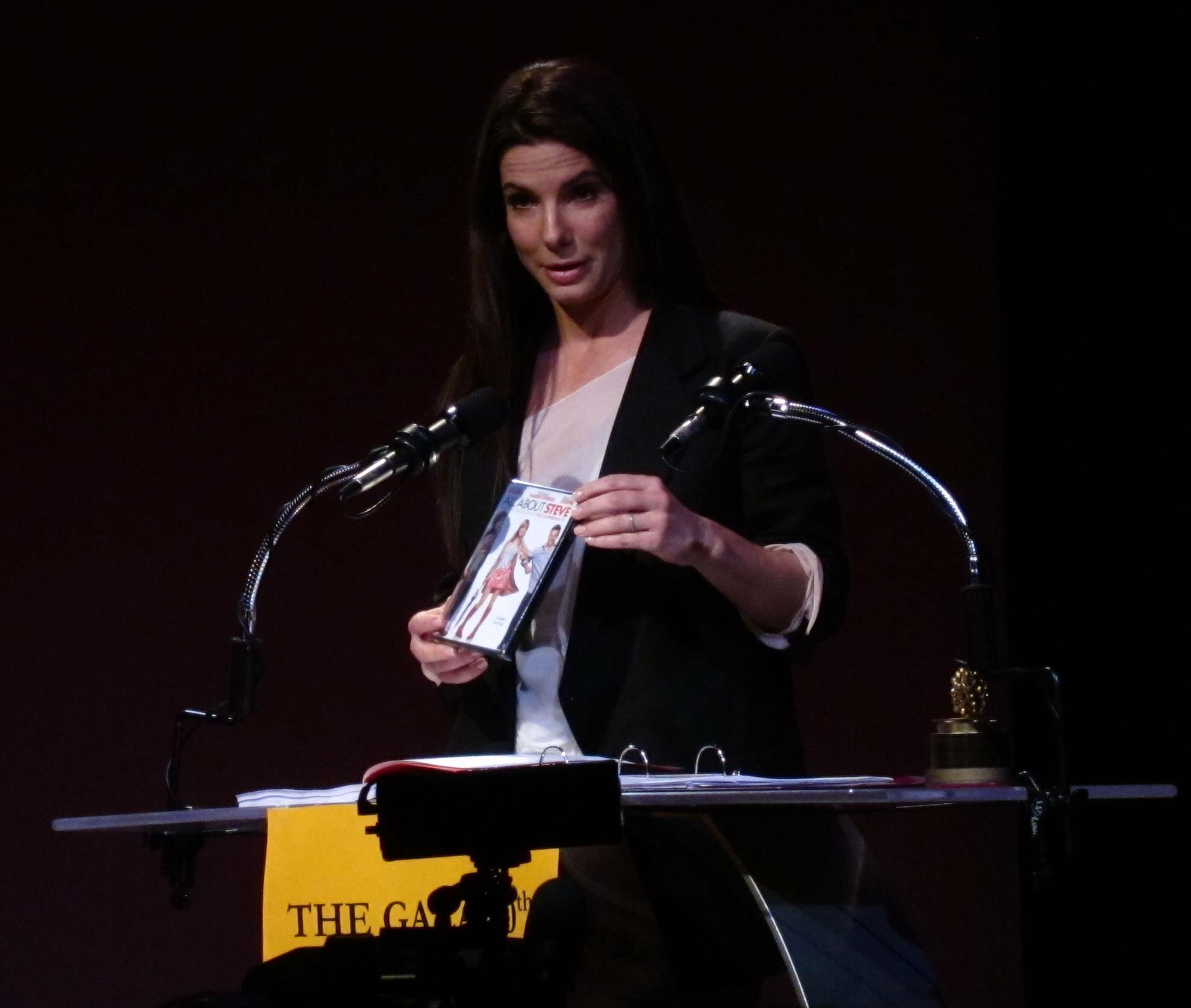 Sandra Bullock accetta il suo Razzie Award