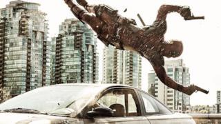 Deadpool in azione in una nuova immagine ufficiale