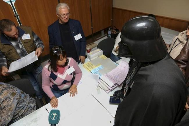 Darth Vader ha tentato di votare alle elezioni in Ucraina
