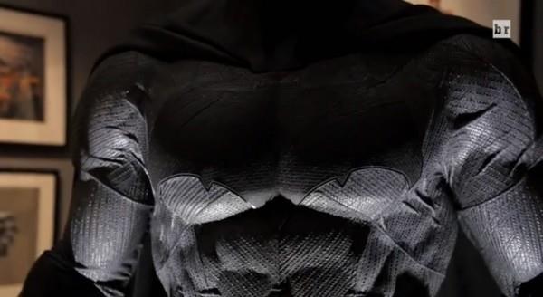 Particolare del costume di Batman in Dawn of Justice