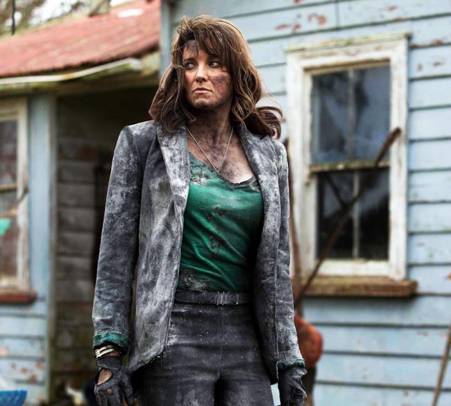 Prima foto ufficiale di Lucy Lawless nel ruolo di Ruby in Ash vs Evil Dead
