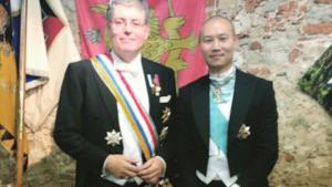 Il falso principe Stephan Cernetic in posa!