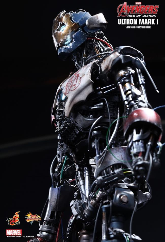Il profillo del modellino Ultron Mark I creato da HotToys
