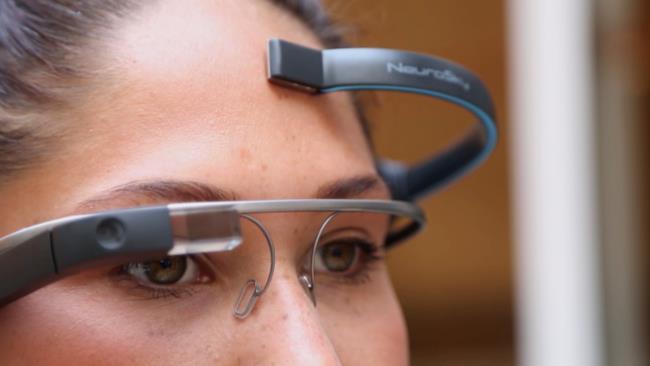 Google Glass e cuffia neurale