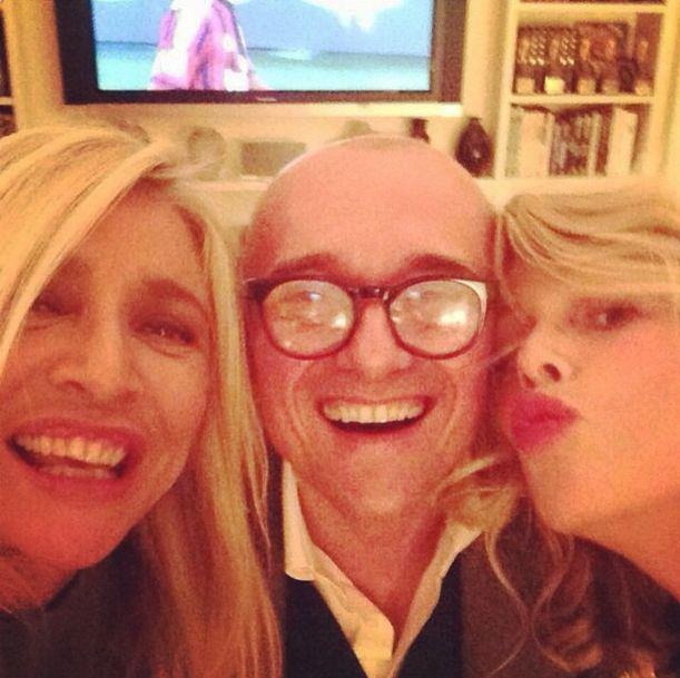 Selfie di Mara Venier con Alessia Marcuzzi e Alfonso Signorini