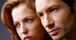 Gli attori David Duchovny e Gillian Anderson in X-Files