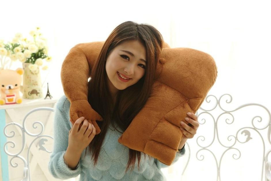 Dal Giappone arriva il cuscino che ti abbraccia