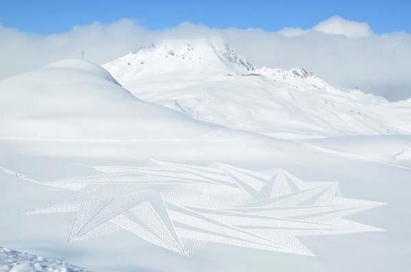 Stella di neve creata da Simon Beck