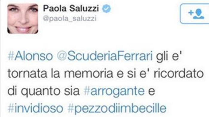 L'insulto di Paola Saluzzi ad Alonso su Twitter