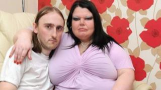 Debbi Wood col marito