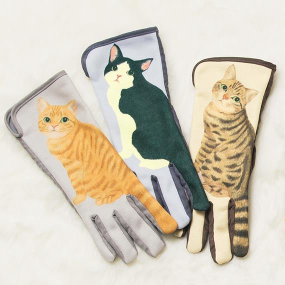 I guanti per lo smartphone con la coda di gattino