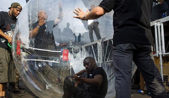 Il rapper Akon in Congo