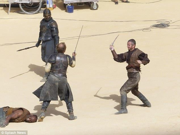 Jorah Mormont combatte nella stagione 5 di Game of Thrones