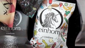 Alcune confezioni di condom Einhorn