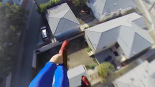 Superman in un video con la GoPro