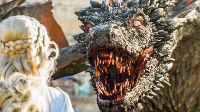 Drogon, il drago, con Daenerys