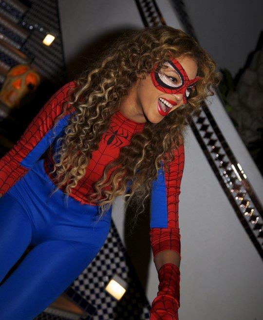 Beyoncé potrebbe unirsi all'universo Marvel: eccola vestita da Spider-Man
