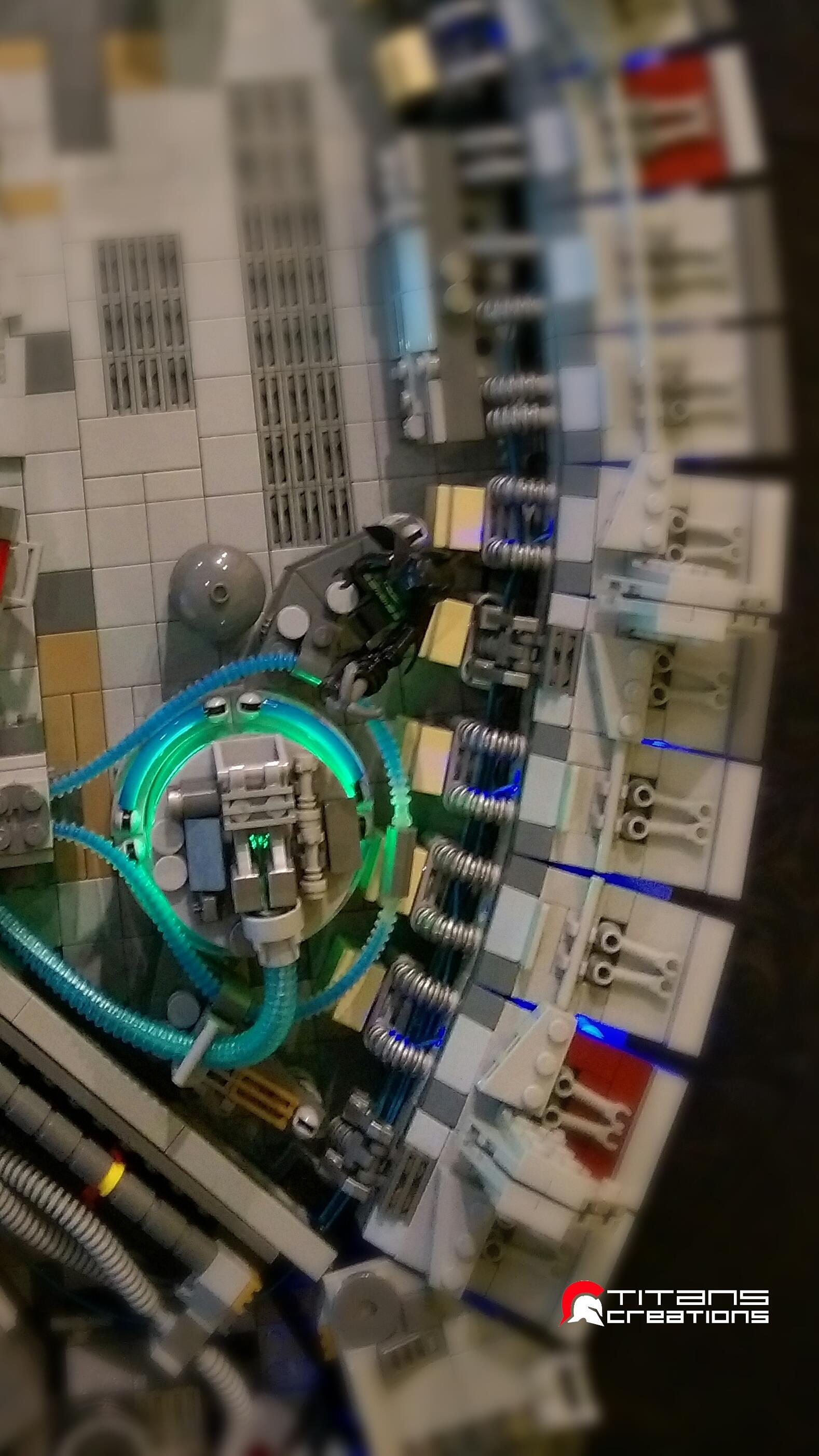 Particolare del Millennium Falcon fatto coi LEGO