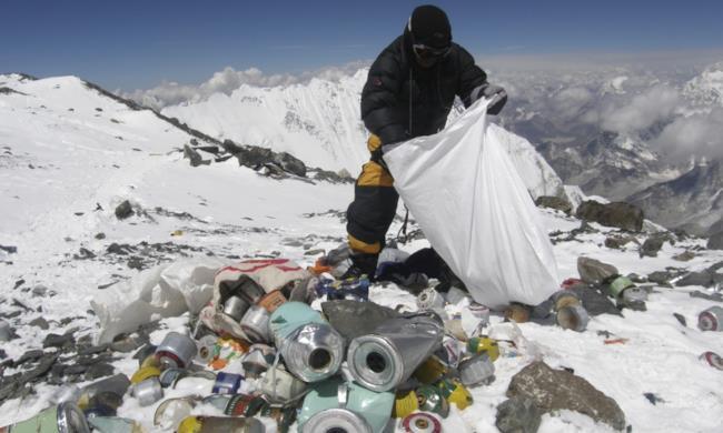 Spazzatura sulla cima del Monte Everest
