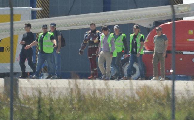 Robert Downey Jr sul set di Captain America: Civil War con la Bleeding Edge Armor