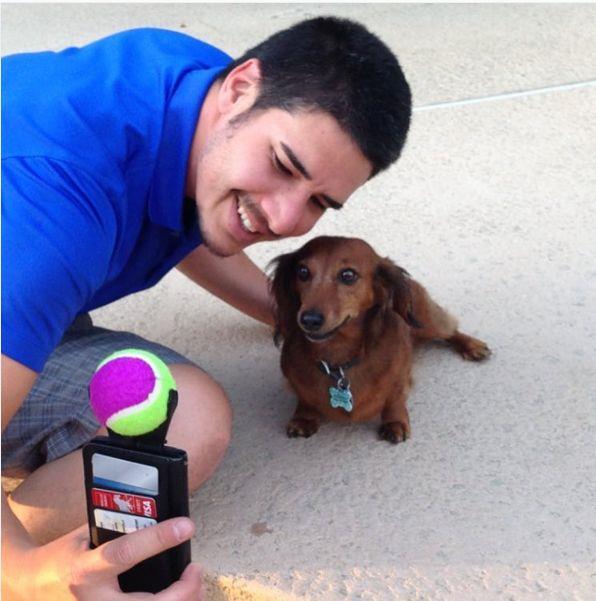 Il selfie con il tuo cane è più disagiato grazie al Pooch selfie!