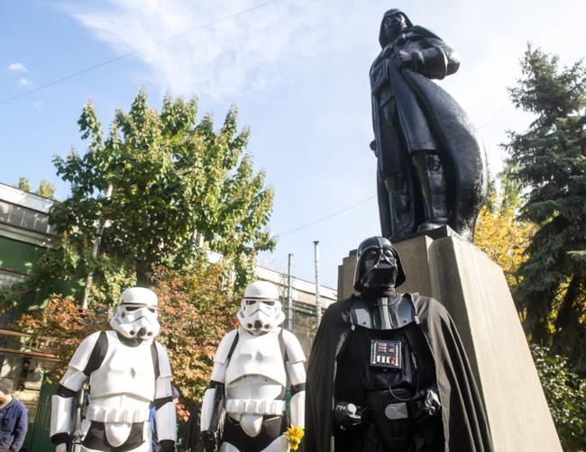 La statua di Darth Vader in Ucraina