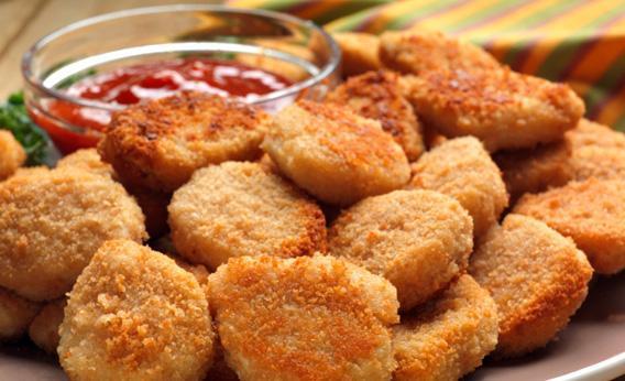 Un piatto di Chicken Nuggets.