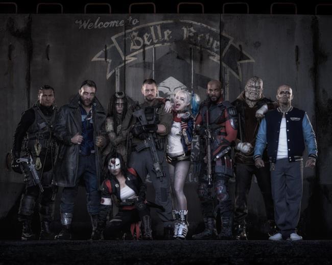 La prima immagine ufficiale del cast di Suicide Squad in costume