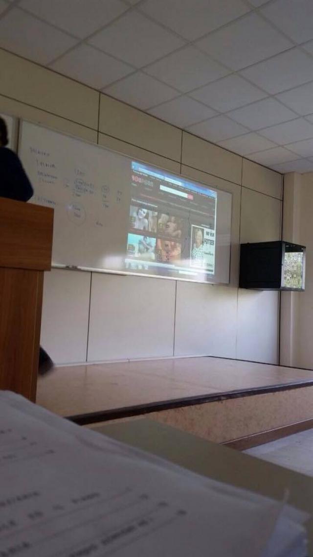 Foto di YouPorn proiettato in aula all'Università Europea di Roma