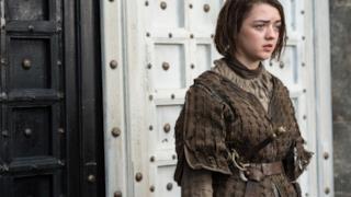 Maisie Williams nel ruolo di Arya Stark