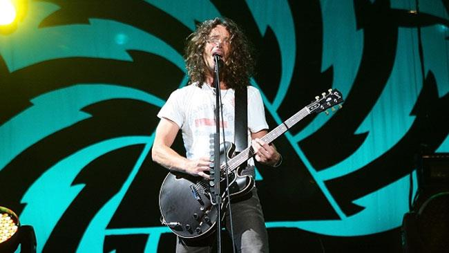Chris Cornell in concerto con i Soundgarden