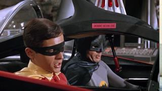 Adam West e Burt Ward nella Batmobile
