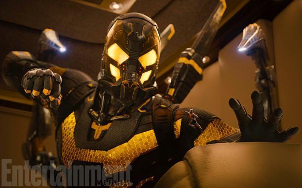 Il costume di Calabrone nel film Ant-Man