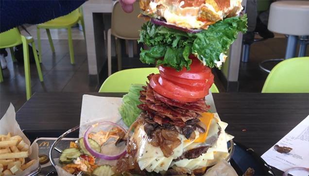 ecco l'hamburger più grosso che puoi ordinare da McDonald's